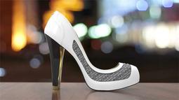 来看看立陶宛公司设计出的变脸高跟鞋