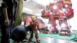 中国民间牛人自制钢铁侠反浩克装甲