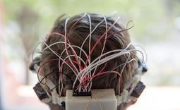 一款可以为盲人提供导航的头戴