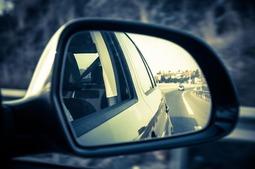 摄像头+显示屏取代汽车后视镜或变成现实