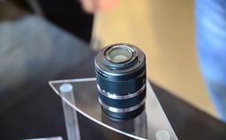 M4/3系统套机售2199元 小蚁微单相机M1现场实拍