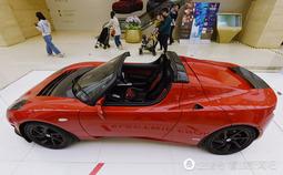 全球首款量产纯电动跑车亮相 售价近11万美元