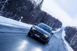 在冰雪中安静地驾驶玛莎拉蒂,是一种怎样的体验?