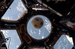 迟到的签名足球:挑战者号爆炸31年后终到太空