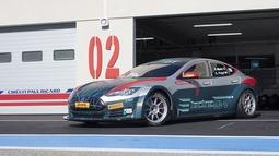特斯拉Model S的电动GT冠军赛来了!