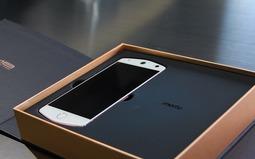 玩上人工智能 美图M8手机开箱图赏