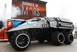 """NASA展示""""火星2020""""概念探测车:酷似蝙蝠侠战车"""