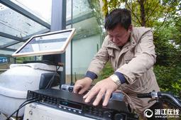 杭州大伯花万元买卡拉OK设备,免费让路人K歌