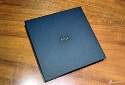 小米MIX 2白色全陶瓷尊享版开箱