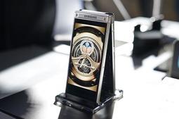 贵是最大特点 三星心系天下W2018手机实拍图赏