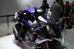 雅马哈MOTOBOT和motobot自动驾驶机器人