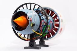 英国格拉斯哥大学的一帮学生,竟然用3D打印技术造出了一台这个……