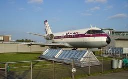 本田开卖的双发喷气式飞机,为啥把发动机顶在机翼上?――专访HondaJet设计师藤野道格
