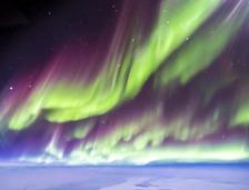 驾驶U-2在两万米的高空拍摄北极光是什么感觉?