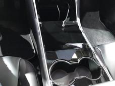 特斯拉Model 3亚洲首秀 前备箱能放入行李箱
