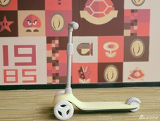 米兔儿童滑板车体验:造型可爱 使用安全