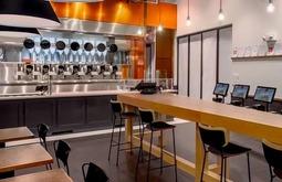 吃顿饭也能这么高科技!这家无人餐厅火遍了全美国