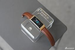 华为手环B5评测:依然能当蓝牙耳机 而且还换上了彩屏